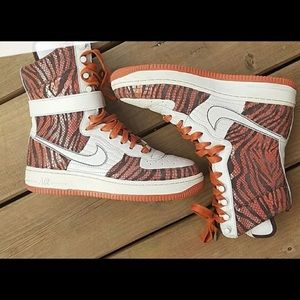 Nike Air Force supreme  sneakers size 9